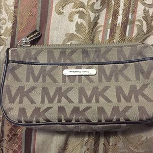 ❤️Michael Kors clutch❤️